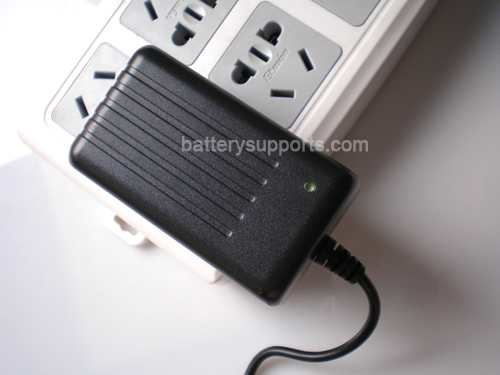 Li-ion Li-Po 3.6V 3.7V 4.2V 2A Wall Socket Battery Charger AC DC